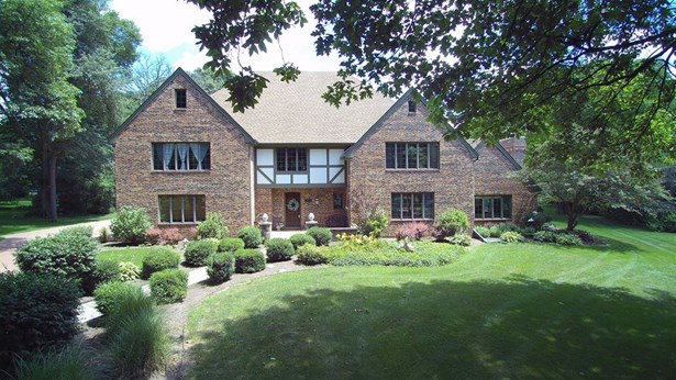Tudor, Detached Single - Batavia, IL (photo 1)