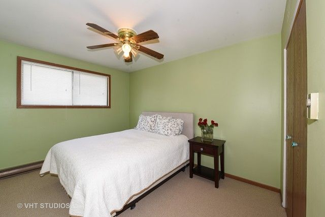Townhouse - Willow Springs, IL (photo 5)