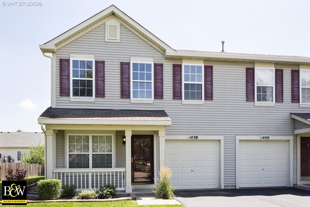 Townhouse - Minooka, IL (photo 1)