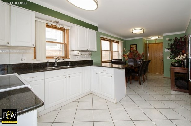 Detached Single, Step Ranch - Harwood Heights, IL (photo 4)