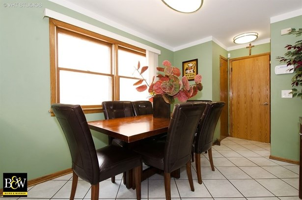 Detached Single, Step Ranch - Harwood Heights, IL (photo 5)
