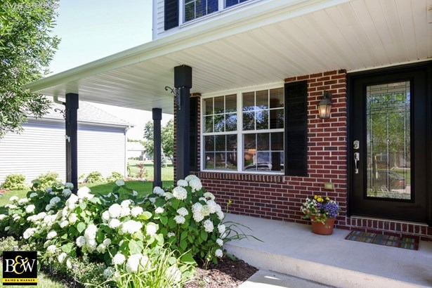 Traditional, Detached Single - Belvidere, IL (photo 2)