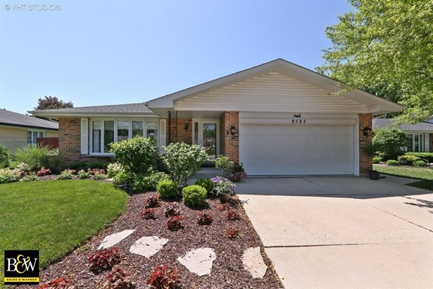 Detached Single, Step Ranch - Darien, IL (photo 1)