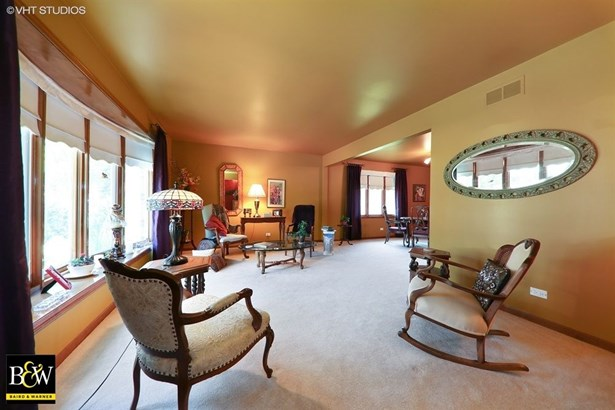 Detached Single, Step Ranch - Darien, IL (photo 3)