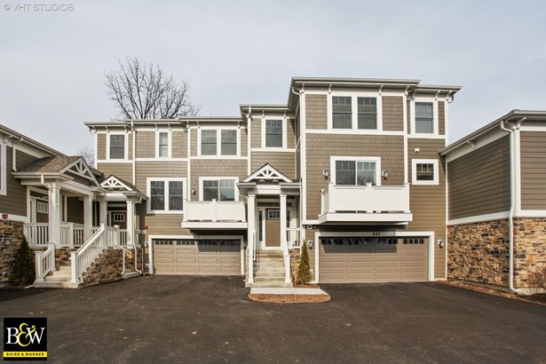 Townhouse - Deerfield, IL (photo 2)