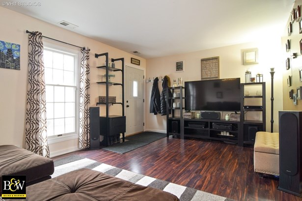 Townhouse - Roselle, IL (photo 3)