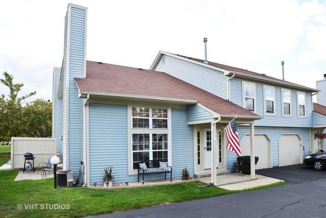 Townhouse - Streamwood, IL (photo 1)