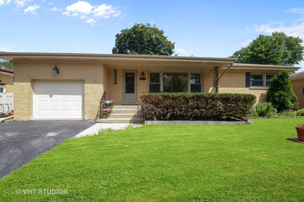 Detached Single, Step Ranch - Arlington Heights, IL