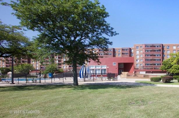 Condo - Calumet City, IL