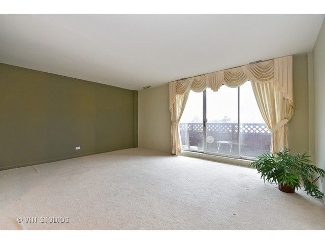 Condo - Calumet City, IL (photo 2)