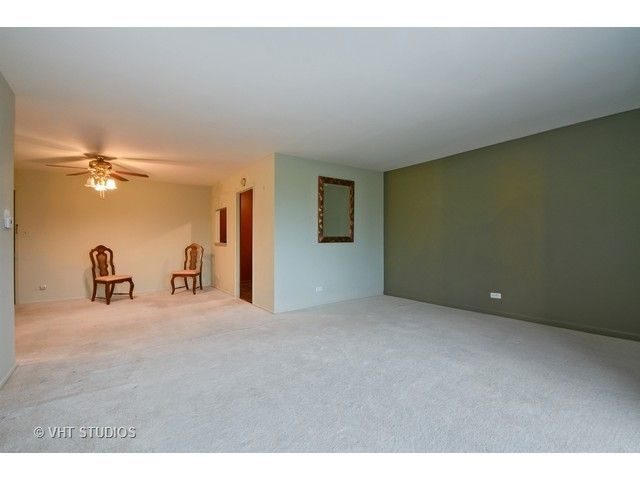 Condo - Calumet City, IL (photo 3)