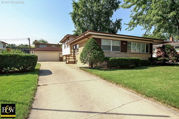 Tri-Level, Detached Single - Chicago Heights, IL