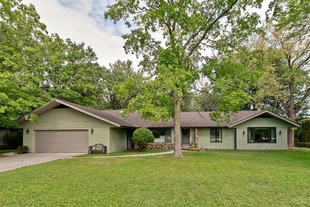 Ranch, Detached Single - Oak Brook, IL