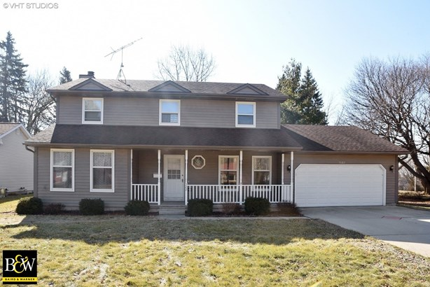 Traditional, Detached Single - East Dundee, IL (photo 1)