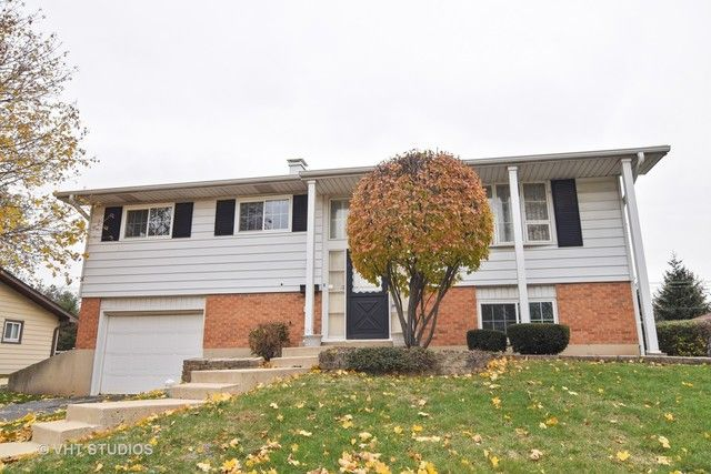 Bi-Level, Detached Single - Hoffman Estates, IL (photo 1)
