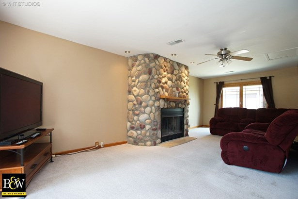 Ranch, Detached Single - Hoffman Estates, IL (photo 3)