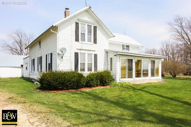 Farmhouse, Detached Single - Poplar Grove, IL (photo 1)