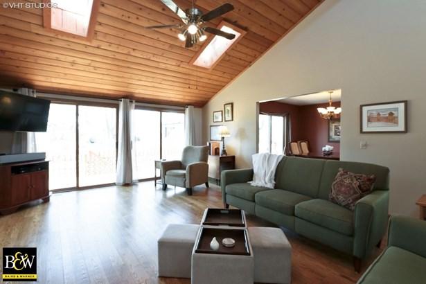 Contemporary, Detached Single - Grayslake, IL (photo 4)