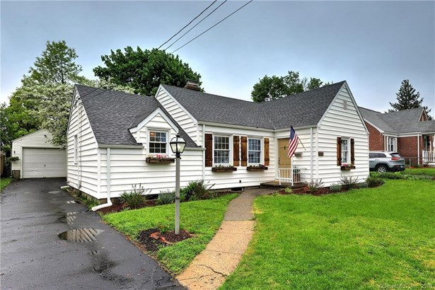 171 Eastern Parkway, Milford, CT - USA (photo 2)