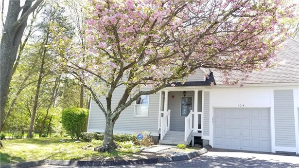 104 Grinnell Street 104, Milford, CT - USA (photo 1)