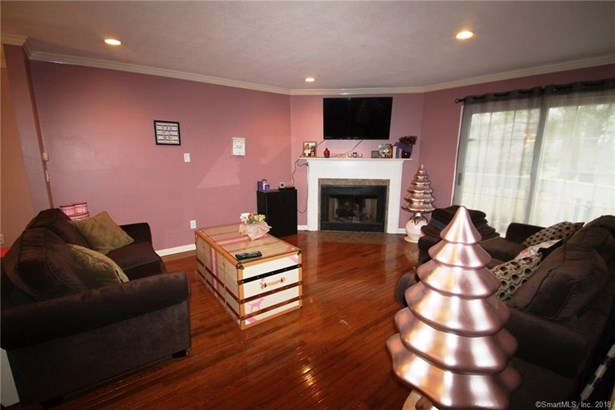 104 Grinnell Street 104, Milford, CT - USA (photo 5)