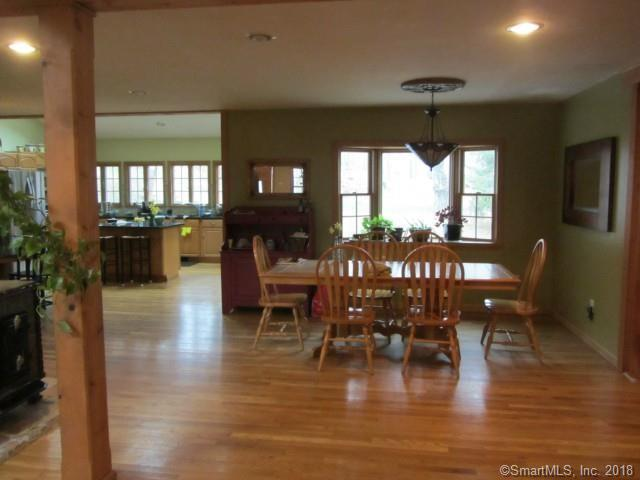 320 Whippoorwill Lane, Stratford, CT - USA (photo 4)
