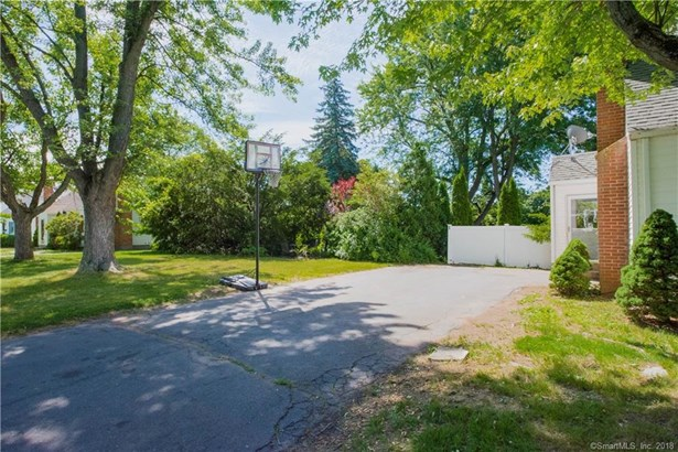 258 Trout Brook Drive, West Hartford, CT - USA (photo 4)