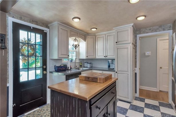 136 Griswold Road, Wethersfield, CT - USA (photo 5)