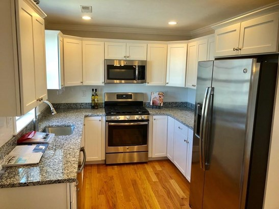 1400 Gorham Street 6, Lowell, MA - USA (photo 4)