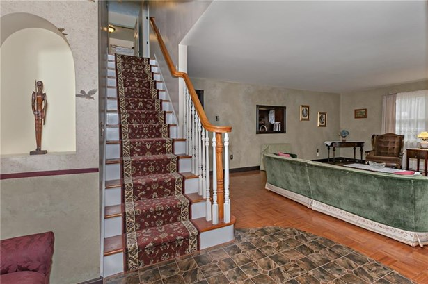 93 Central Avenue, Wolcott, CT - USA (photo 4)