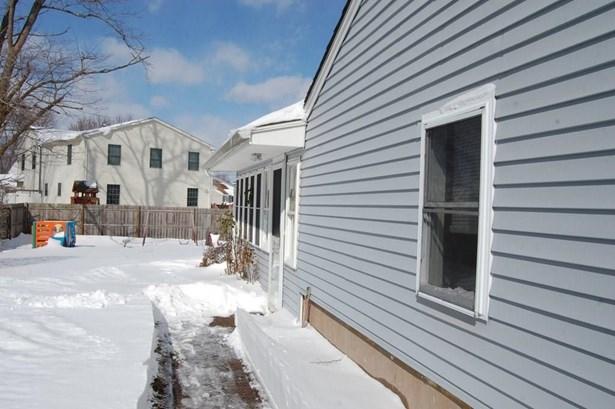 42 Kencove Drive, East Hartford, CT - USA (photo 2)