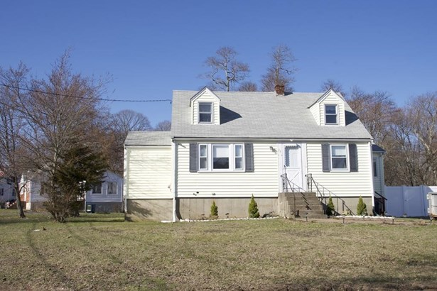76 Chestnut Circle, Randolph, MA - USA (photo 1)