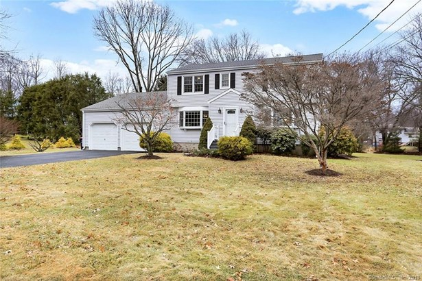 15 Lull Water Road, Trumbull, CT - USA (photo 1)
