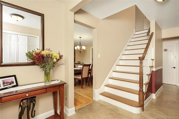 15 Lull Water Road, Trumbull, CT - USA (photo 3)