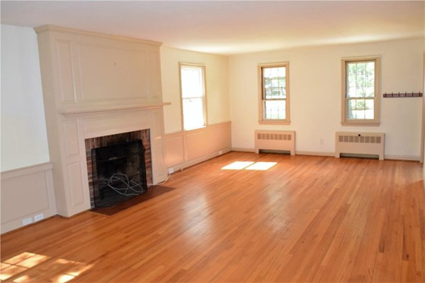 16 West Tomstead Road, Simsbury, CT - USA (photo 3)