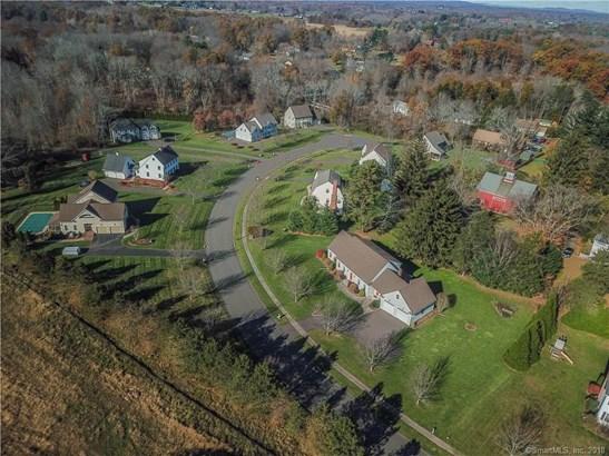 16 Wainscot Lane, Suffield, CT - USA (photo 3)