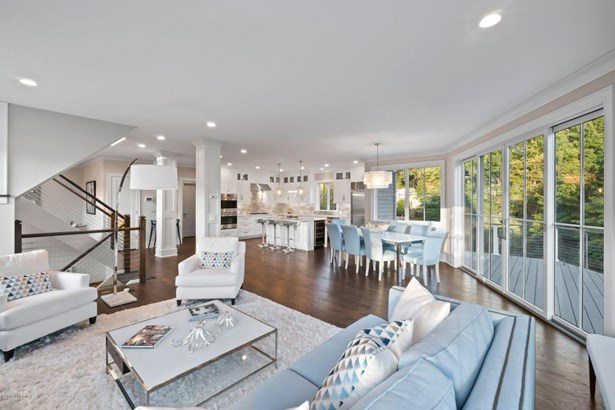 28 Heusted Drive, Old Greenwich, CT - USA (photo 4)