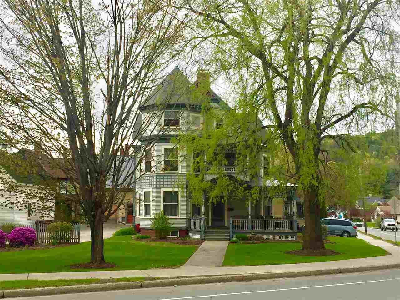 1577 Main Street, St. Johnsbury, VT - USA (photo 1)