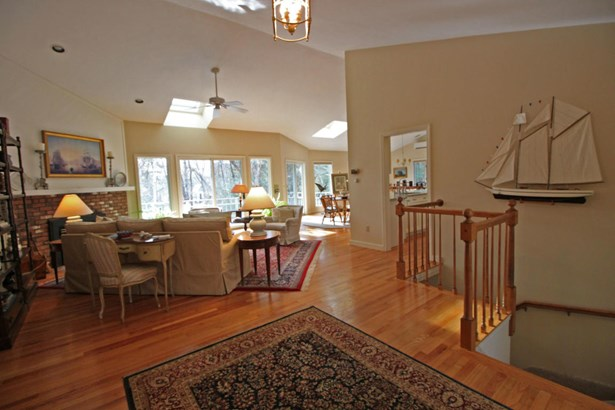27 Winding Cove Road, Barnstable, MA - USA (photo 2)