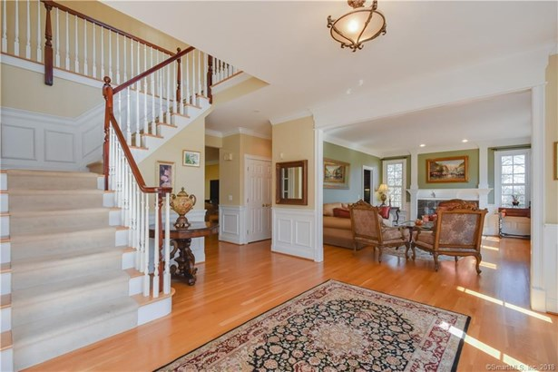 8 Clearwater Court, Avon, CT - USA (photo 2)