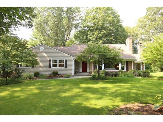 32 Edgewood Road, Katonah, NY - USA (photo 1)