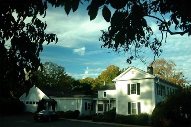 141 Dowd Avenue, Canton, CT - USA (photo 2)