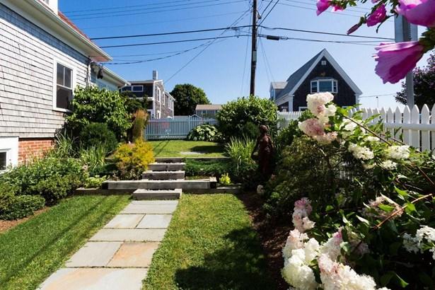 36 Pleasant Street 1, Provincetown, MA - USA (photo 2)