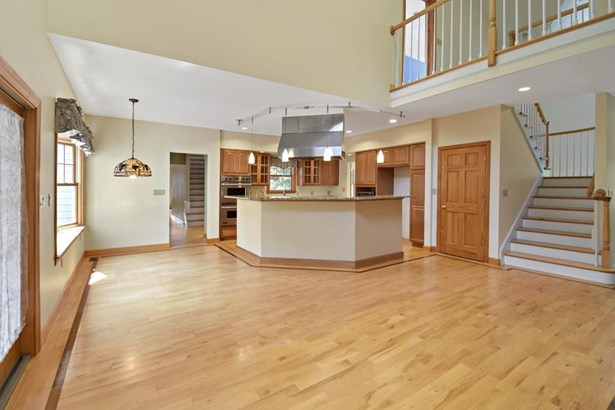 29 Bonnie Brier Cir, Hingham, MA - USA (photo 4)