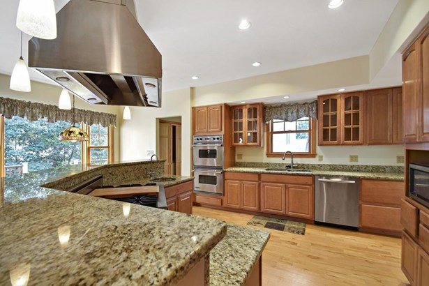 29 Bonnie Brier Cir, Hingham, MA - USA (photo 5)
