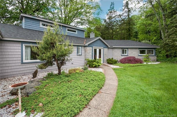 61 Ferncliff Drive, West Hartford, CT - USA (photo 1)