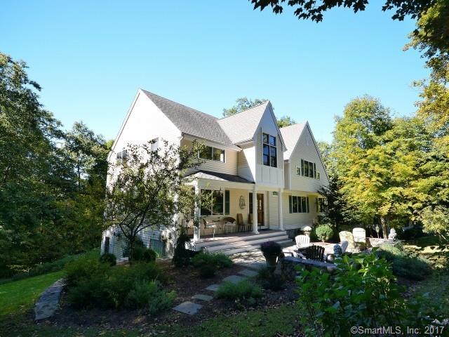 8 Yearling Lane, Newtown, CT - USA (photo 1)