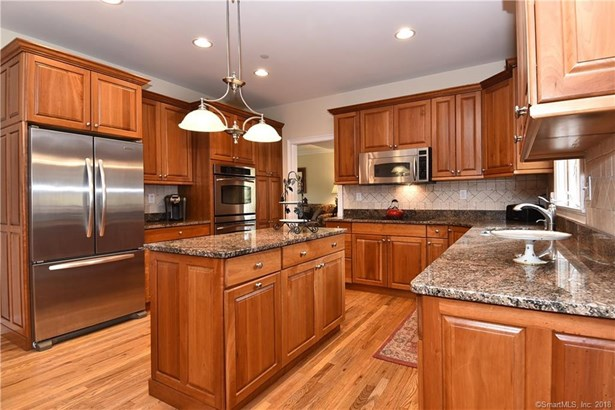745 Cook Hill Road, Cheshire, CT - USA (photo 5)