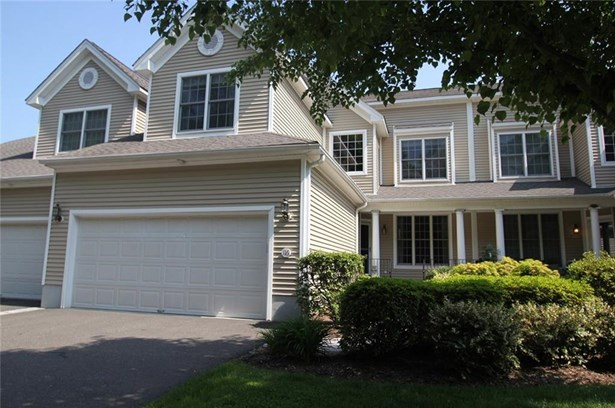 116 Imperial Court 116, Trumbull, CT - USA (photo 1)
