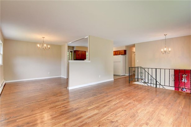 71 Oxbow Lane, West Haven, CT - USA (photo 3)